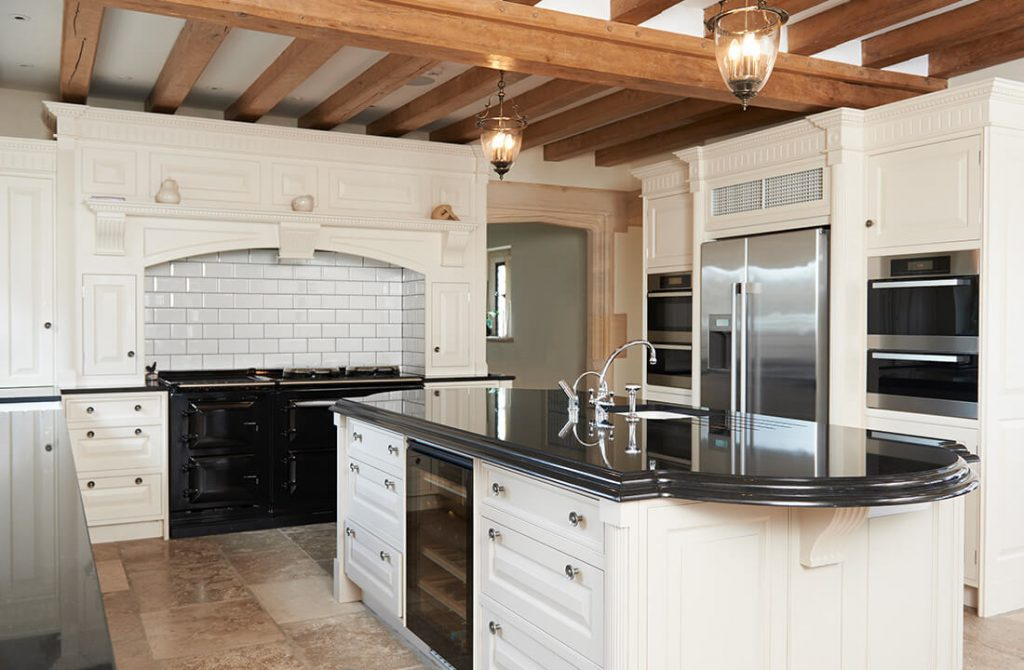 Classical kitchen installation